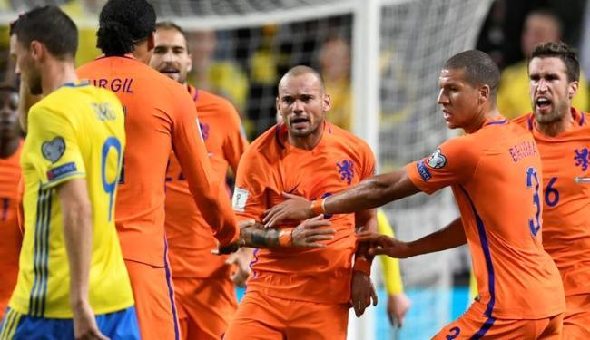 Sneijder deixa o dele, mas não consegue evitar o empate - Foto: Pontus Lundahl | Reuters