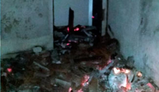 Polícia acredita que incêndio foi criminoso - Foto: Reprodução   Site Notícias de Santaluz