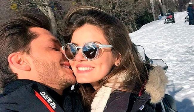 Atores assumiram romance durante viagem a Bariloche, na Argentina - Foto: Reprodução | Instagram