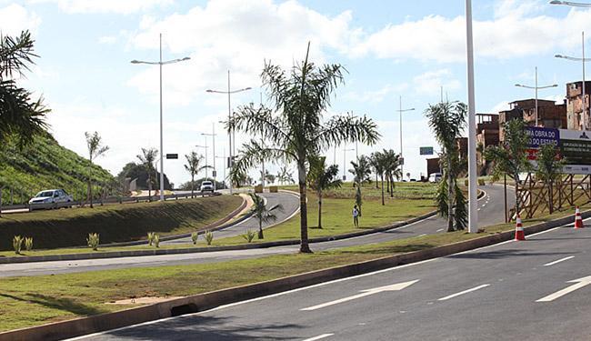 Liberada para o trânsito, a pista nova altera itinerários na região - Foto: Margarida Neide l Ag. A TARDE