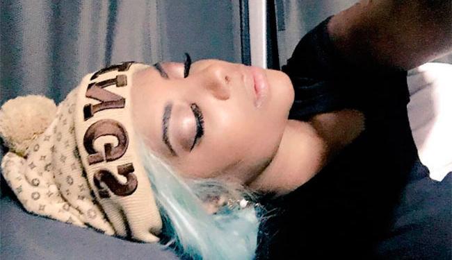 De cabelo azul - Foto: Reprodução | @ludmilla