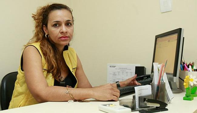 Terapeuta ocupacional Maíra Oliveira atua há 8 anos no núcleo - Foto: Adilton Venegeroles l Ag. A TARDE