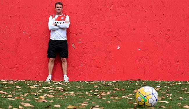 Mancini é o segundo treinador que mais dirigiu o Leão na história - Foto: Raul Spinassé l Ag. A TARDE