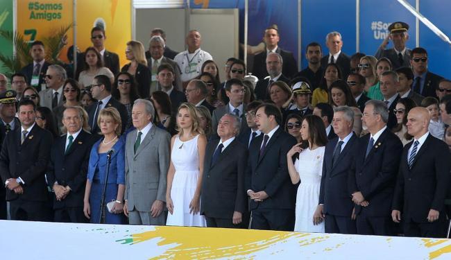 Presidente não segue protocolo do 7 de setembro e não usa a faixa presidencial - Foto: Wilson Dias   Agência Brasil