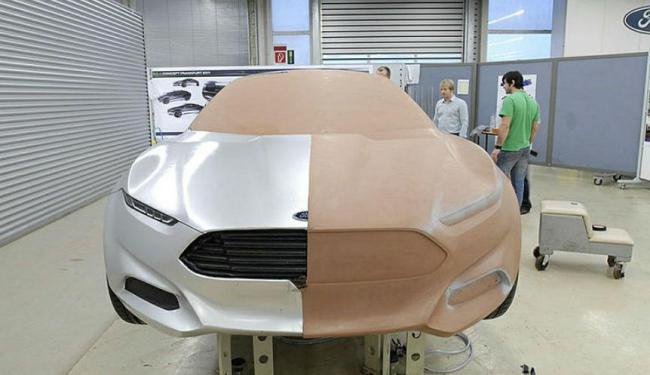 O processo de design do veículo passa por etapas como a da definição dos materiais utilizados - Foto: Divulgação