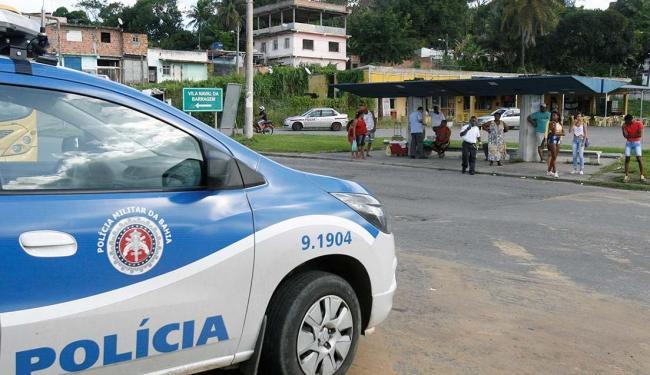 O policiamento na região foi reforçado para garantir a segurança de ônibus e pedestres - Foto: Edilson Lima   Ag. A TARDE