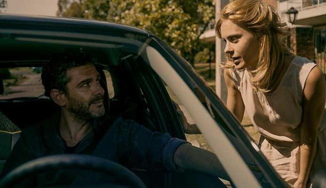 O ator argentino Leonardo Sbaraglia e a brasileira Carolina Dieckmann são os protagonistas - Foto: Divulgação
