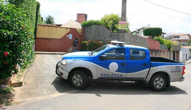Casal foi assassinado dentro da casa da família - Foto: Edilson Lima | Ag. A TARDE