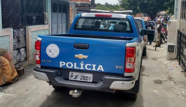 Crime ocorreu na rua Paulo Afonso, em Pernambués; polícia investiga crime - Foto: Edilson Lima | Ag. A TARDE