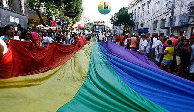 Atos pela afirmação de direitos da população LGBT têm sido realizados para chamar a atenção - Foto: Joá Souza l Ag. A TARDE l 21.9.2014