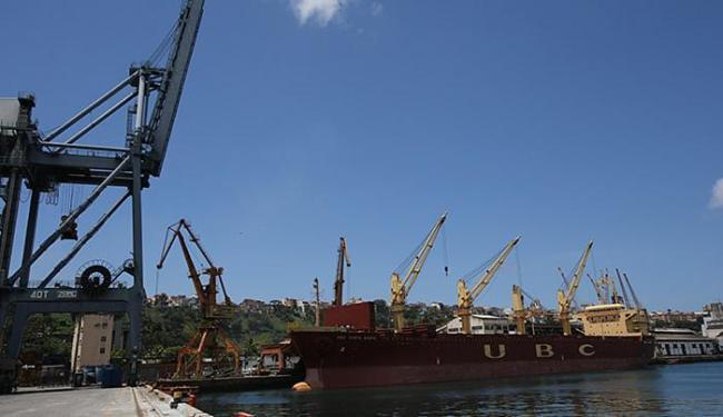 Porto de Salvador movimentou 407 mil toneladas - Foto: Carlos Casaes l Ag. A TARDE l 29.9.2014