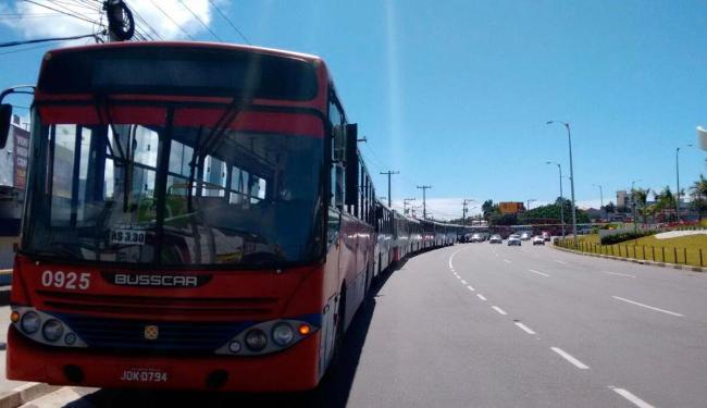 Motoristas de Lauro protestam contra onda de assaltos em coletivos - Foto: Edilson Lima   Ag. A TARDE