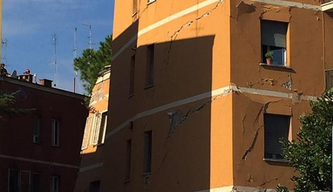 Ninguém ficou ferido porque os moradores haviam sido retirados preventivamente - Foto: Twitter | @MicheleCucuzza2