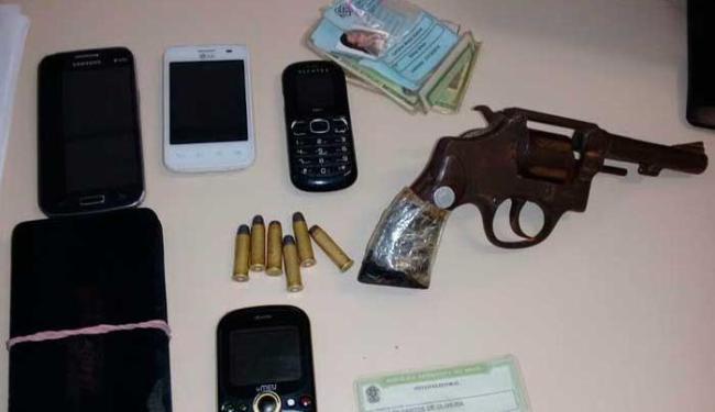 Dupla foi surpreendida por Policiais Militares (PM), e conduzidos à 1ª DT/Barris - Foto: Ascom-PC   Divulgação