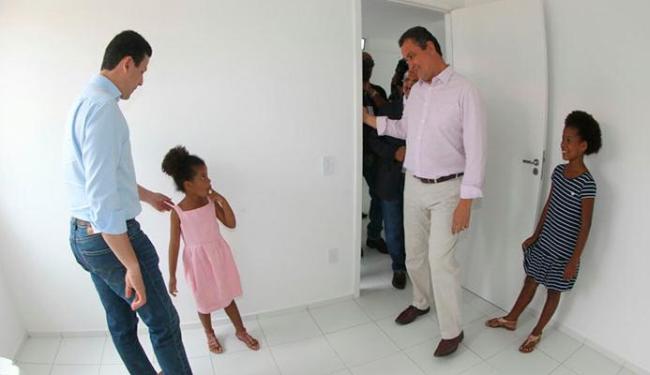 Rui Costa entrega imóvel aos moradores de Camaçari - Foto: Camila Souza | GOVBA