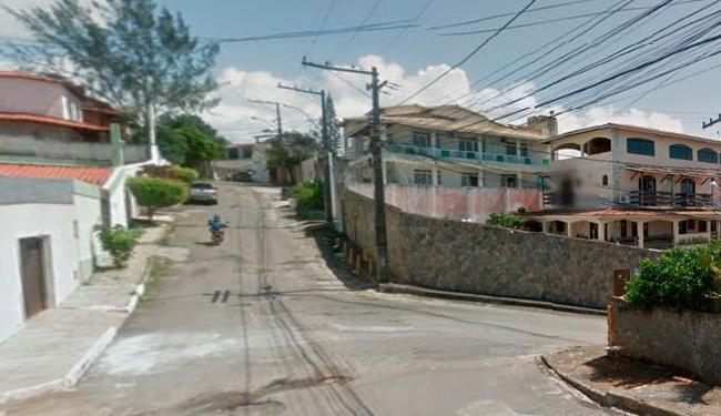 O duplo homicídio ocorreu na rua Encontro das Árvores, atrás da Vila Militar, em Placafor - Foto: Reprodução   Google
