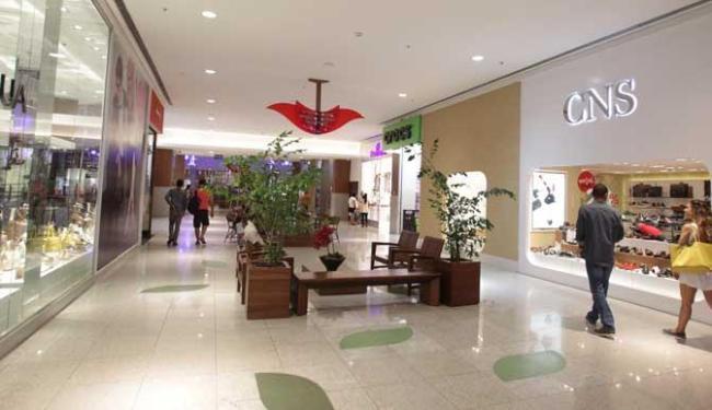 Lojas dos shoppings não abrem - Foto: Lúcio Távora   Ag. A TARDE