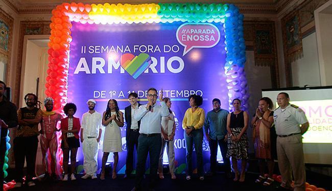 Secretário Geraldo Reis (C) falou na cerimônia de abertura da semana de ações - Foto: Adilton Venegeroles l Ag. A TARDE