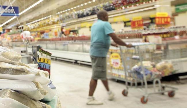 Setor de alimentação teve recuo de 6,6% - Foto: Mila Cordeiro | Ag. A TARDE | 04.04.2014