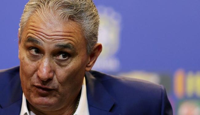 Técnico Tite também deve chamar um volante para o lugar de Paulinho - Foto: Ueslei Marcelino | Reuters