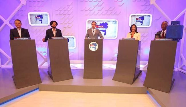 Candidatos participaram do debate na manhã desta quinta - Foto: Raul Spinassé   Ag. A TARDE