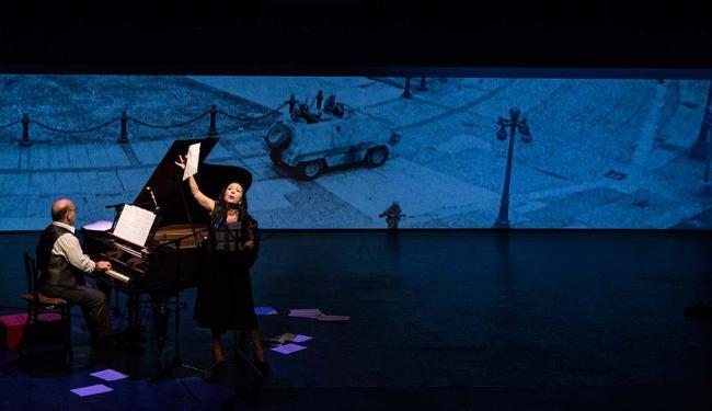Un Caballo se Lamenta (Peru) é feito de poemas e canções de Brecht - Foto: Paola Vera | Divulgação