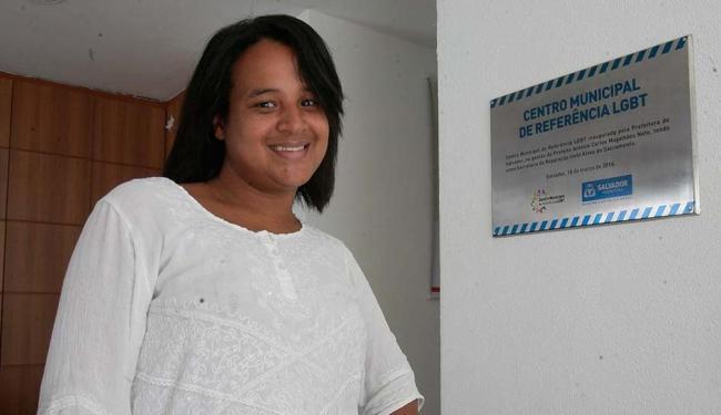 Zelza Silva aguarda a autorização de ministério para buscar atendimento no Hupes - Foto: Edilson Lima | Ag. A TARDE