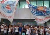 Torcida 'invade' aeroporto de Salvador para apoiar o time do Bahia | Foto: