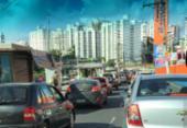 Ônibus quebrado deixa trânsito congestionado na Juracy Magalhães | Foto: