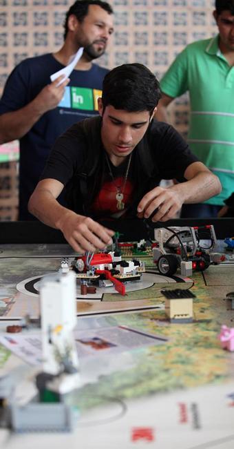 Evento também contou com apresentação de robótica - Foto: Adilton Venegeroles l Ag. A TARDE