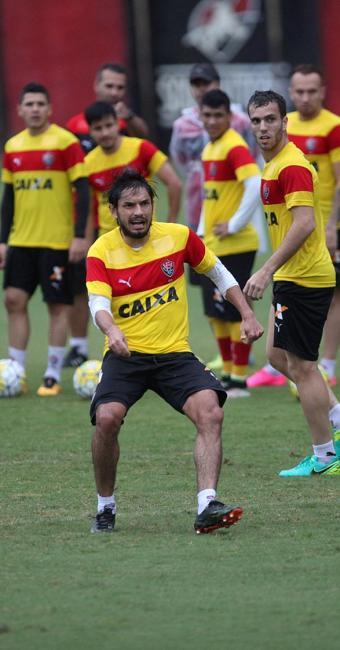 Tiago Real terá dupla função: compor o meio de campo e fazer as vezes de Marinho no ataque - Foto: Adilton Venegeroles l Ag. A TARDE