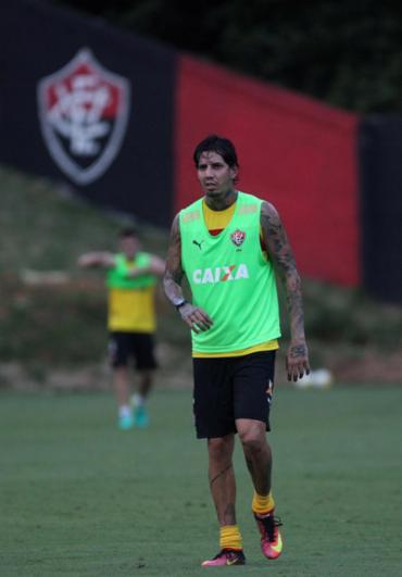 Inter alega que Victor Ramos entrou em campo de forma irregular - Foto: Adilton Venegeroles l Ag. A TARDE