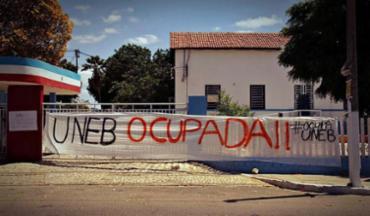 Em Salvador, estudantes e servidores ocupam o campus da Uneb no Cabula - Foto: André Amorim | Reprodução | Site Aduneb
