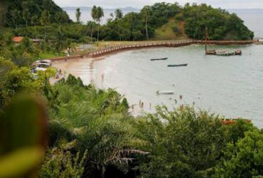 Praia na Ilha dos Frades recebe selo Bandeira Azul