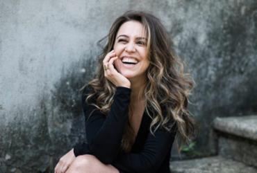 Roberta Sá faz show gratuito em Salvador