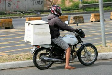 Moto usada é opção para ir ao trabalho
