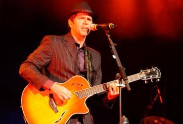 Leoni relembra sucessos com show em Salvador
