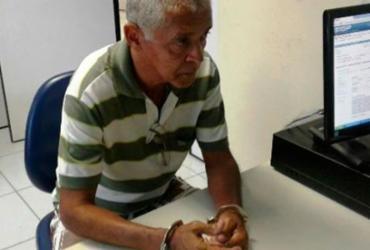 Idoso é preso após marcar encontro com menino de 13 anos