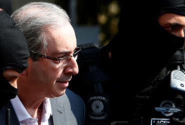 Cunha é excluído de grupo do PMDB no WhatsApp logo após ser preso