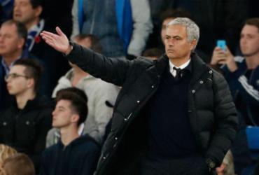 No reencontro com Mourinho, Chelsea goleia o Manchester e se aproxima da ponta