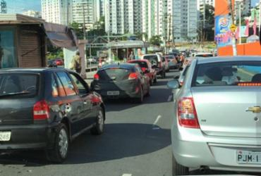Ônibus quebrado deixa trânsito congestionado na Juracy Magalhães