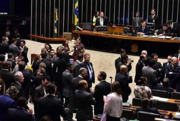Câmara aprova em 2º turno PEC que limita gastos públicos por 20 anos