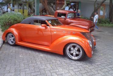 Bahia Marina recebe carros antigos na Nautishow