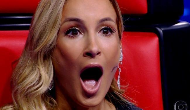 A cantora pediu para candidato sentar no colo e recebeu resposta negativa - Foto: Reprodução | Tv Globo
