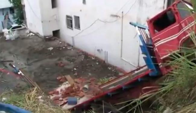 Motorista teve escoriações leves - Foto: Reprodução | TV Bahia