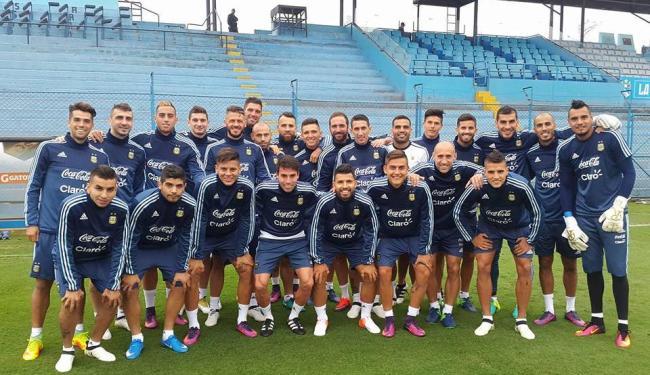 Seleção argentina reunida durante treinamento desta terça-feira, 4 - Foto: Reprodução | Facebook