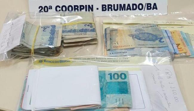 Polícia apreendeu com Claudia eletrodomésticos e R$ 1,7mil - Foto: Divulgação   Polícia Civil