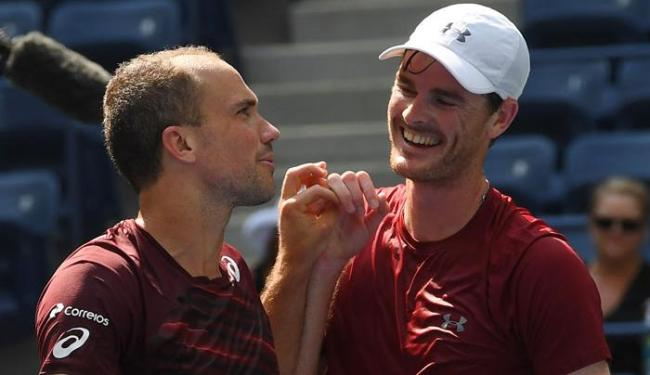 Caso vença o jogo na madrugada desta quinta, a dupla será número um do mundo - Foto: Robert Deutsch | Reuters