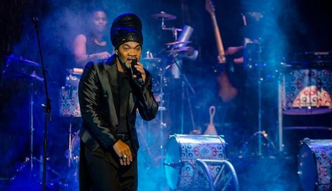 Carlinhos Brown vai se apresentar no TCA sábado e domingo - Foto: Caio Gallucci | Divulgação