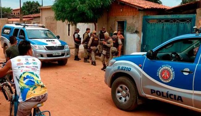 Idoso e neto saíam de casa quando bandidos chegaram atirando - Foto: Luís Felipe | Blog do Sigi Vilares